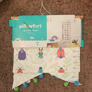 nwt pillowfort growth chart with pom for kids